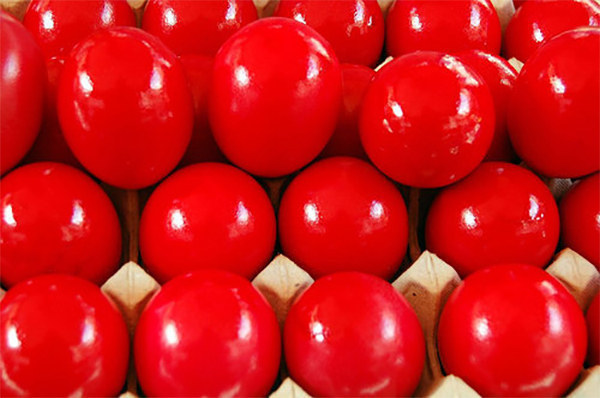 We dye eggs red. Just red.